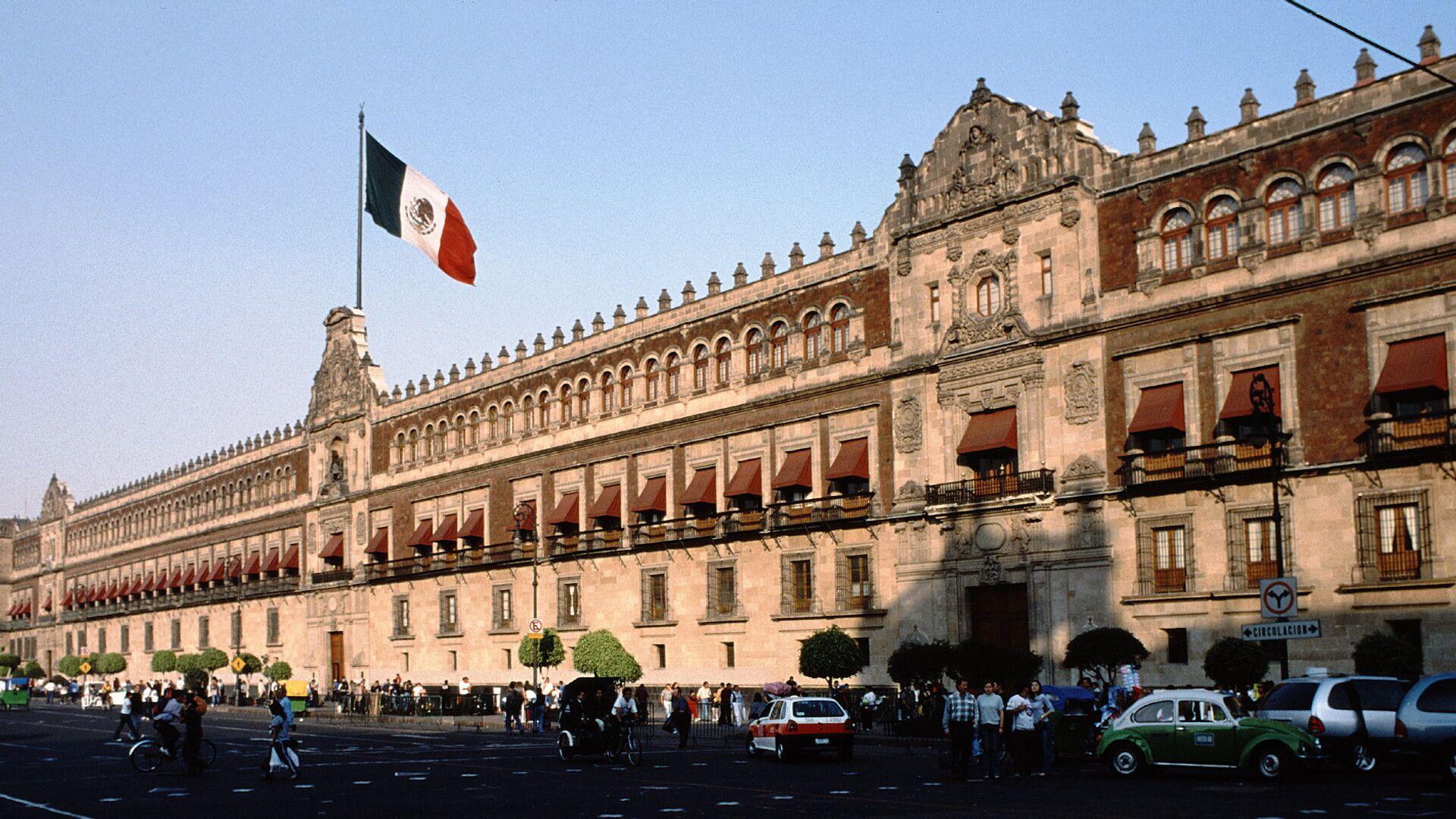 El Palacio Nacional de México, sede del Poder Ejecutivo Federal en Ciudad de México - Sputnik Mundo, 1920, 05.07.2021