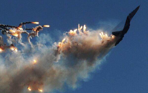 Gracias al empuje vectorial, que se maneja en tres dimensiones, el Su-30SM tiene una maniobrabilidad destacable.  - Sputnik Mundo
