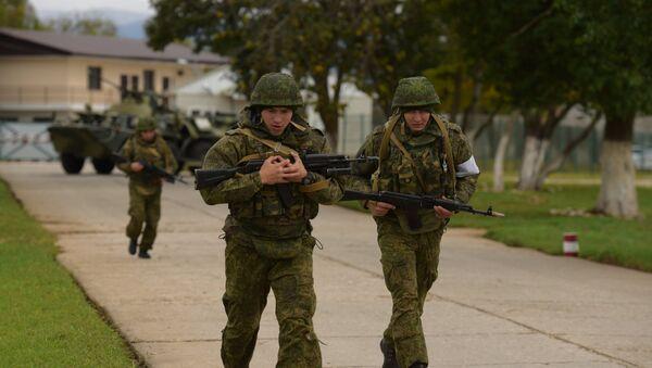 Los militares de la base rusa en Abjasia durante un entrenamiento antiterrorista - Sputnik Mundo