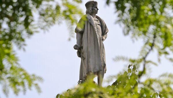 Estatua de Cristobal Colón en Nueva York, Estados Unidos - Sputnik Mundo