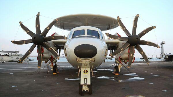 Un E-2 Hawkeye, semejante al futuro KJ-600 chino - Sputnik Mundo