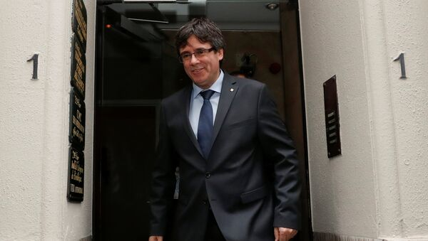 Carles Puigdemont, el líder independentista y el expresidente del Gobierno de Cataluña - Sputnik Mundo