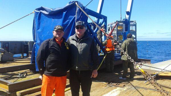 Yuri Andrushchak (derecha), coordinador de las tareas de búsqueda del submarino San Juan - Sputnik Mundo