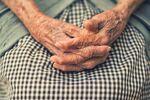 Las manos de una anciana (imagen referencial)