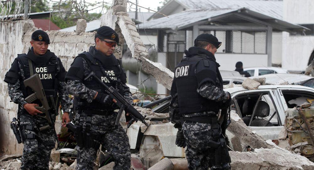 Consecuencias del ataque con coche bomba en una comisaría de Ecuador