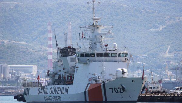 Un buque de la guardia costera de Turquía - Sputnik Mundo