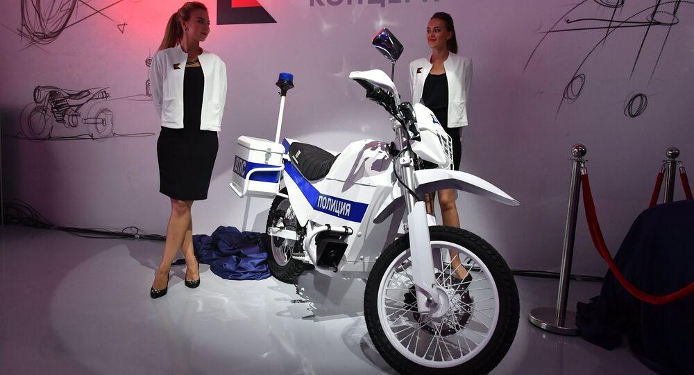 Una moto eléctrica policial de Kalashnkov, un ejemplo directo de la politica de diversificacion en el sector armamentístico