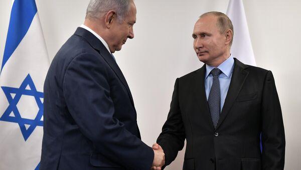 El presidente de Rusia, Vladímir Putin y el primer ministro de Israel, Benjamín Netanyahu - Sputnik Mundo