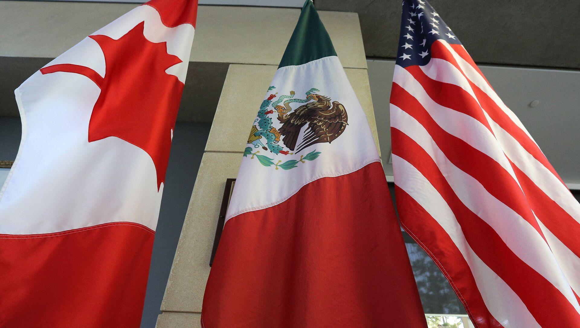 Las banderas de Canadá, México y EEUU - Sputnik Mundo, 1920, 07.01.2021