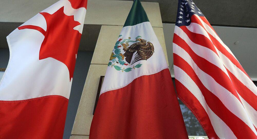 Las banderas de Canadá, México y EEUU