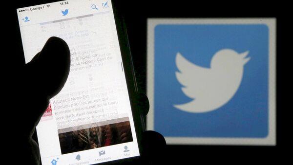 Applicación de Twitter (imagen referencial) - Sputnik Mundo