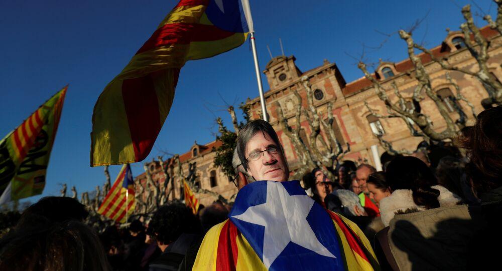 Manifestación para exigir la investidura del líder soberanista catalán, Carles Puigdemont