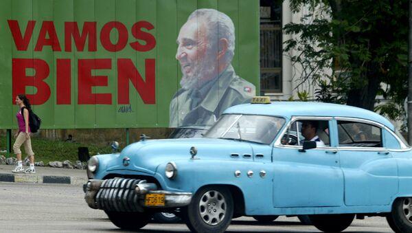 Cartel de Fidel en La Habana, Cuba - Sputnik Mundo