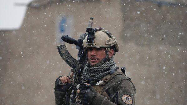 Soldado de las fuerzas de seguridad de Afganistán - Sputnik Mundo