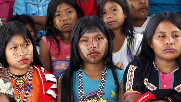 Niñas de la etnia Embera de Colombia - Sputnik Mundo