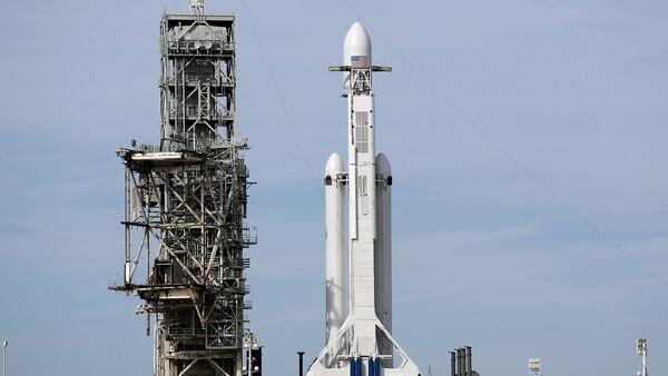 El cohete Falcon Heavy - Sputnik Mundo