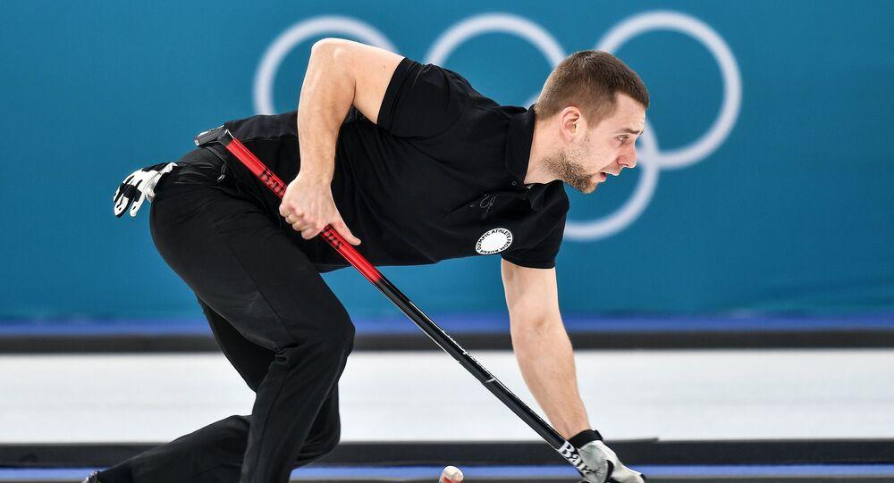 Alexandr Krushelnitski, deportista ruso durante el partido de Curling entre Rusia y Noruega (JJOO-2018 en Pyeongchang)