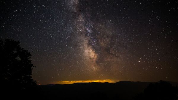 Cielo nocturno con estrellas - Sputnik Mundo