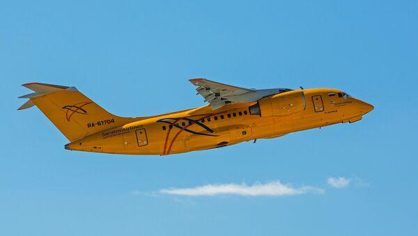Un An-148 de Saratov Airlines (archivo) - Sputnik Mundo