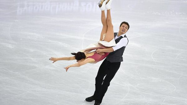 Ekaterina Bobrova y Dmitri Soloviev, patinadores rusos - Sputnik Mundo