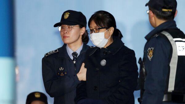 Choi Soon-sil, amiga de la expresidenta surcoreana Park Geun-hye - Sputnik Mundo