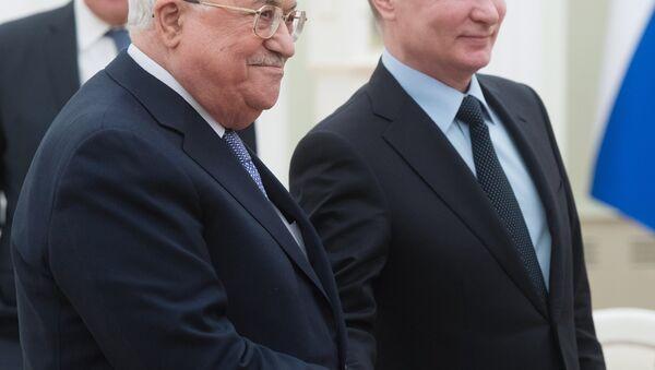 El presidente de Palestina, Mahmud Abás, y el presidente de Rusia, Vladímir Putin - Sputnik Mundo