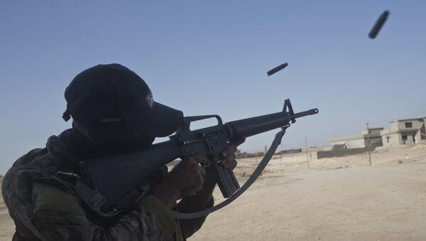 Un tiroteo con proyectiles tradicionales en Irak - Sputnik Mundo