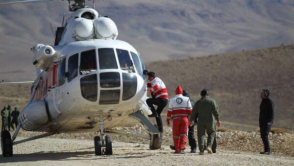 Labores de búsqueda de fragmentos del avión iraní siniestrado el 18 de febrero - Sputnik Mundo