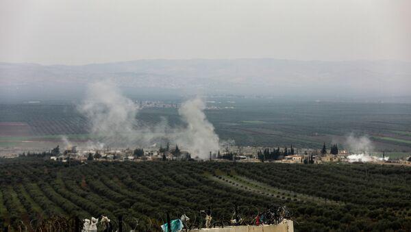 Bombardeos en la localidad siria de Afrín - Sputnik Mundo