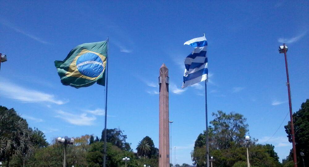 Frontera de la Paz entre Uruguay y Brasil, plaza internacional de Rivera-Santana do Livramento