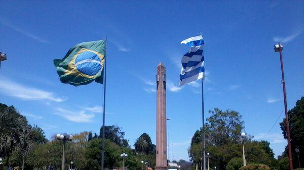 Frontera de la Paz entre Uruguay y Brasil, plaza internacional de Rivera-Santana do Livramento. - Sputnik Mundo