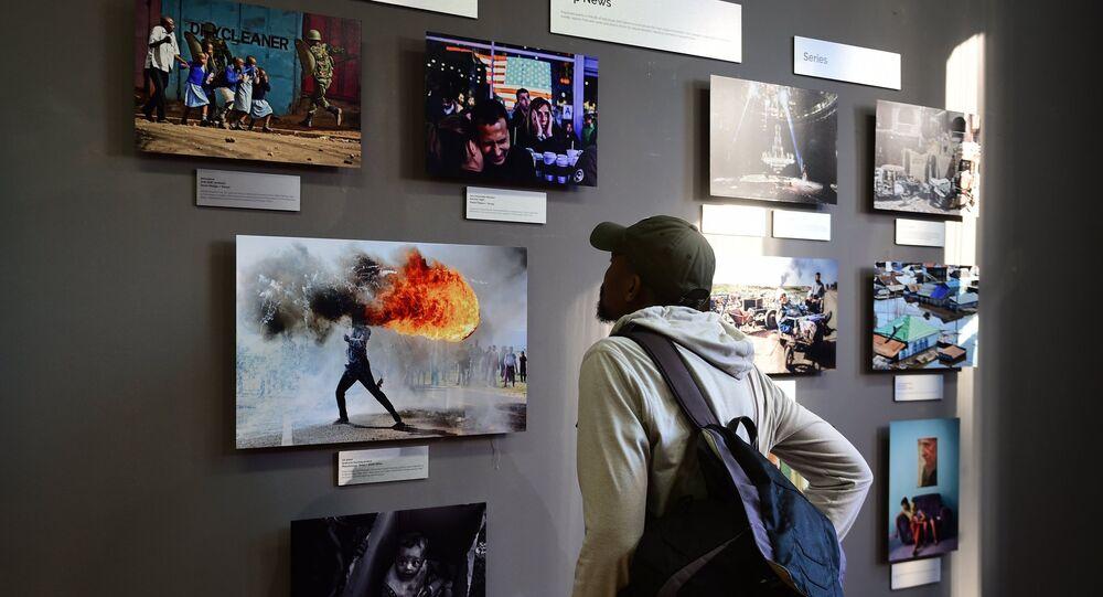 La exhibición de las fotos ganadoras del Concurso Andréi Stenin en Ciudad del Cabo, en Sudáfrica (archivo)