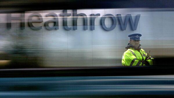 El aeropuerto de Heathrow en Londres, Reino Unido - Sputnik Mundo