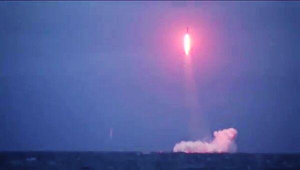 Un misil ruso (imahen referencial) - Sputnik Mundo