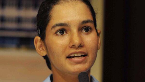 Avani Chaturvedi, la primera mujer india en pilotar en solitario un MiG-21 ruso - Sputnik Mundo