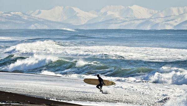 Yury Smityuk, Rusia. El surfing de invierno en la Costa del Pacífico ruso - Sputnik Mundo