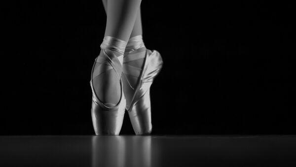 Pies de una bailarina de ballet - Sputnik Mundo