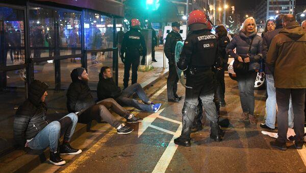 Hinchas detenidos en Bilbao - Sputnik Mundo