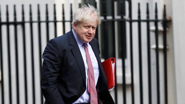 El secretario de Asuntos Exteriores de Gran Bretaña, Boris Johnson, llega a Downing Street en Londres - Sputnik Mundo
