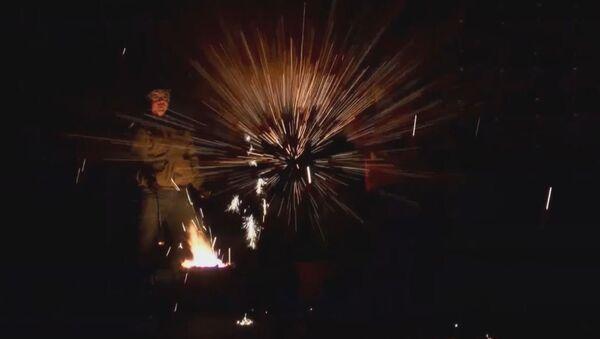 Los herreros chinos juegan con fuego - Sputnik Mundo