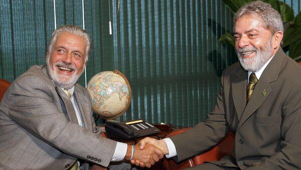 El exgobernador del estado de Bahía, Jacques Wagner junto al expresidente de Brasil Luiz Inácio Lula da Silva (archivo) - Sputnik Mundo