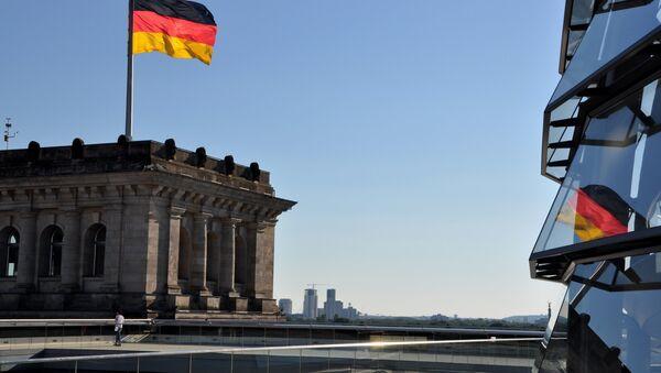 Bandera de Alemania en Berlín - Sputnik Mundo