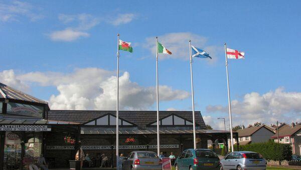 Las banderas de Gales, Irlanda, Escocia e Inglaterra - Sputnik Mundo
