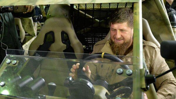 Ramzán Kadírov en la planta de Chechenavto (imagen referencial) - Sputnik Mundo