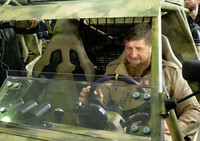 Ramzán Kadírov en la planta de Chechenavto (imagen referencial)