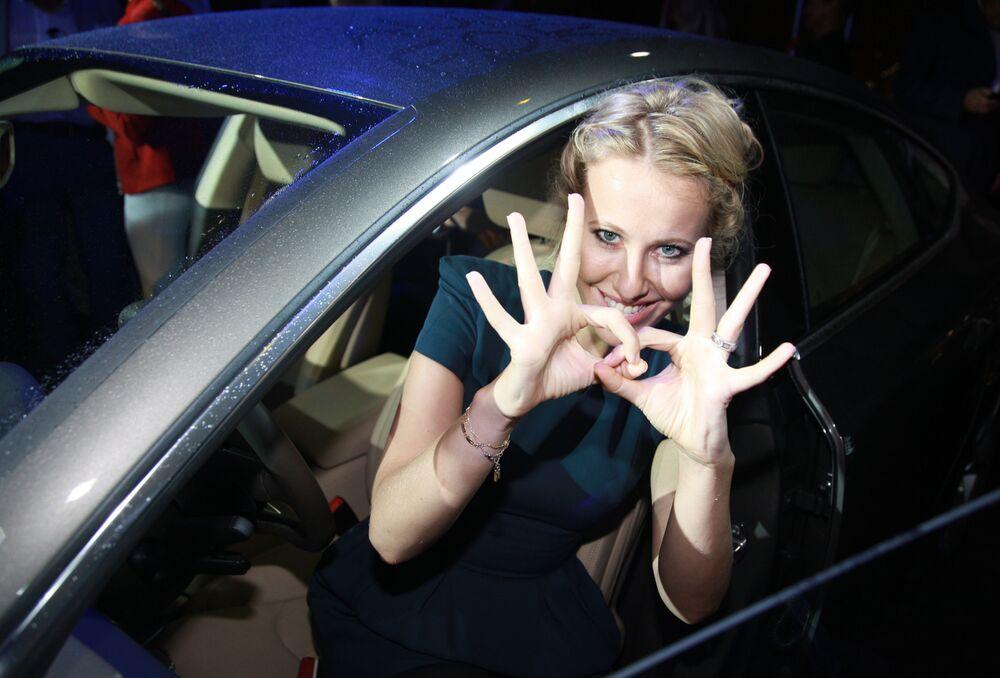 La presentadora de televisión Ksenia Sobchak en la ceremonia de presentación del nuevo modelo cupé de cinco puertas del Audi A7, en la azotea del hotel Ritz Carlton