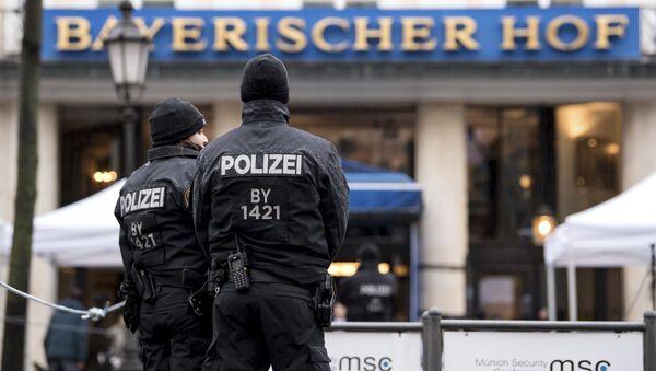 Policías alemanes, foto de archivo - Sputnik Mundo