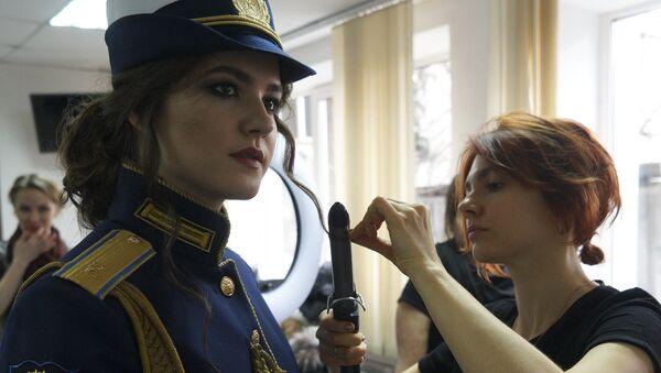 La ganadora del concurso 'La belleza con hombreras' - Sputnik Mundo
