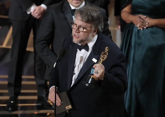 Guillermo del Toro, director de cine mexicano, durante los Oscar