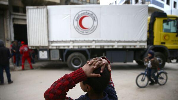 Convoy humanitario de la Media Luna Roja en Siria - Sputnik Mundo